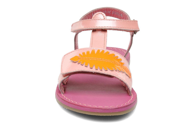 Sandales et nu-pieds Kickers Parapluie Rose vue portées chaussures