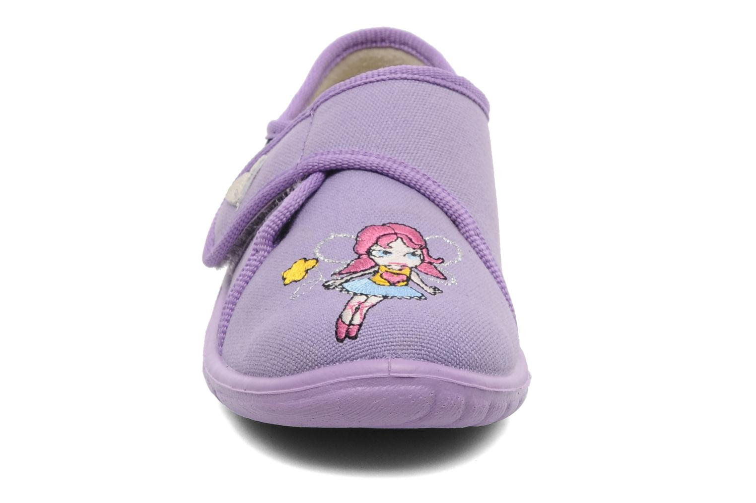 Chaussons Giesswein Farven Violet vue portées chaussures