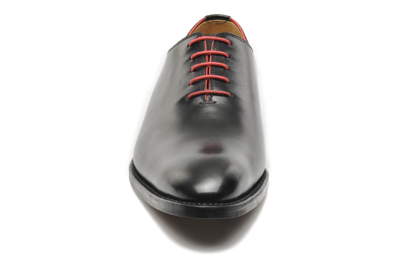 Snörade skor Marvin&Co Luxe Wade Svart bild av skorna på