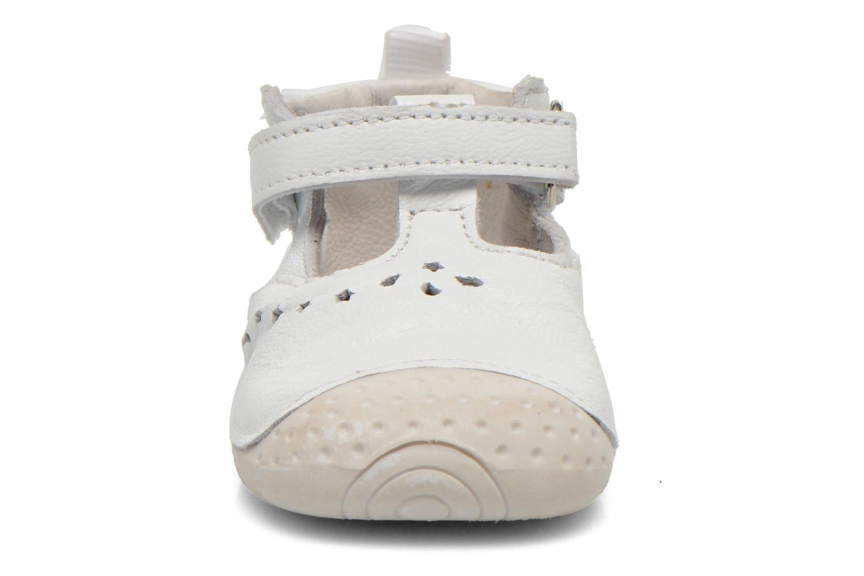 Chaussures à scratch Babybotte ZOUBI Blanc vue portées chaussures