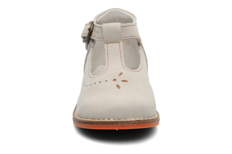 Bottines et boots Babybotte SANDJI Beige vue portées chaussures