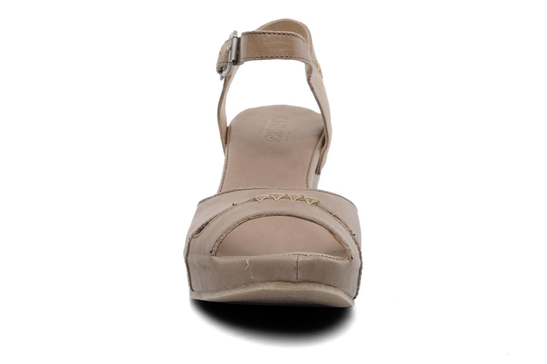 Sandalen Khrio Shika beige schuhe getragen