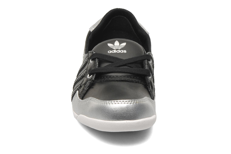 Ballerines Adidas Originals Forum Slipper K Noir vue portées chaussures