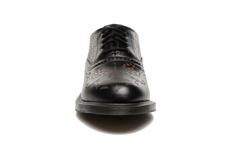 Schnürschuhe Dr. Martens Aila schwarz schuhe getragen