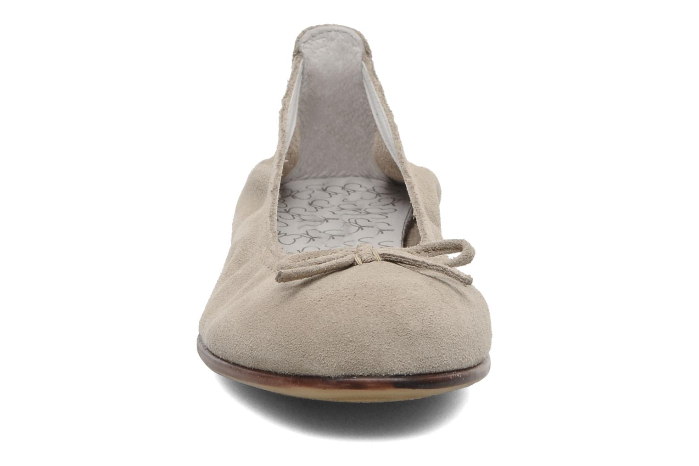 Ballerines Bopy SACOUR Beige vue portées chaussures