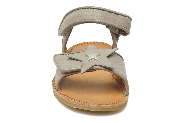 Sandales et nu-pieds Bisgaard Grie Gris vue portées chaussures