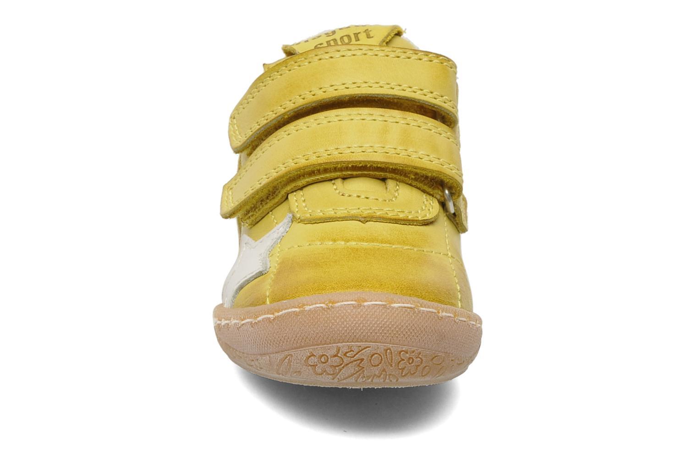 Sneakers Bisgaard Papoi Geel model