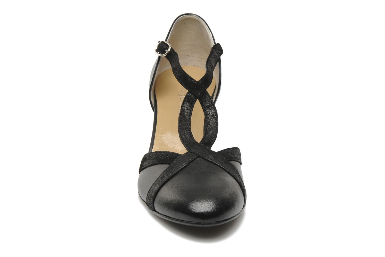 Titine Cuir albeto noir + acamet noir