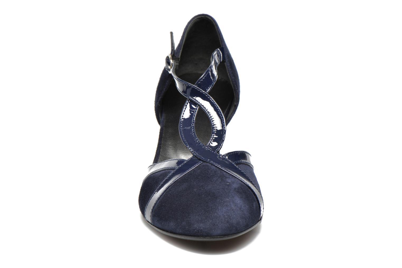 High heels Georgia Rose Titine Blue model view
