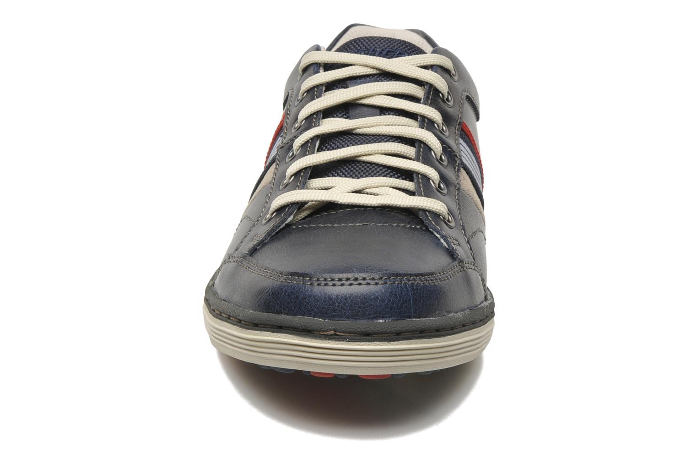 Sneakers Skechers Sorino Duarte 64060 Azzurro modello indossato