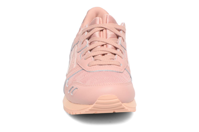 Baskets Asics Gel-Lyte III W Rose vue portées chaussures