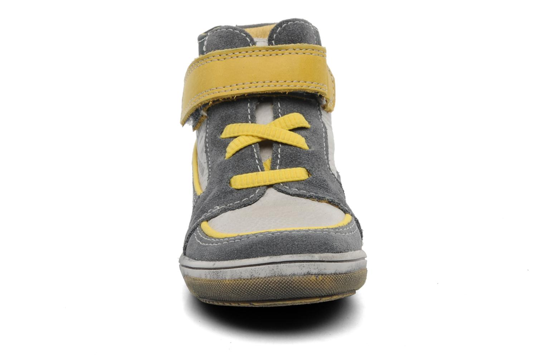 Baskets Babybotte Arlan Gris vue portées chaussures