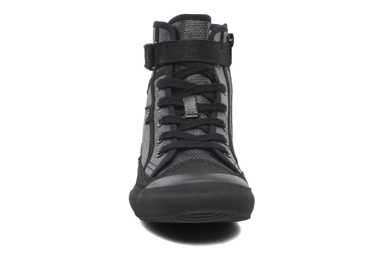 Sneaker TBS Onelia schwarz schuhe getragen