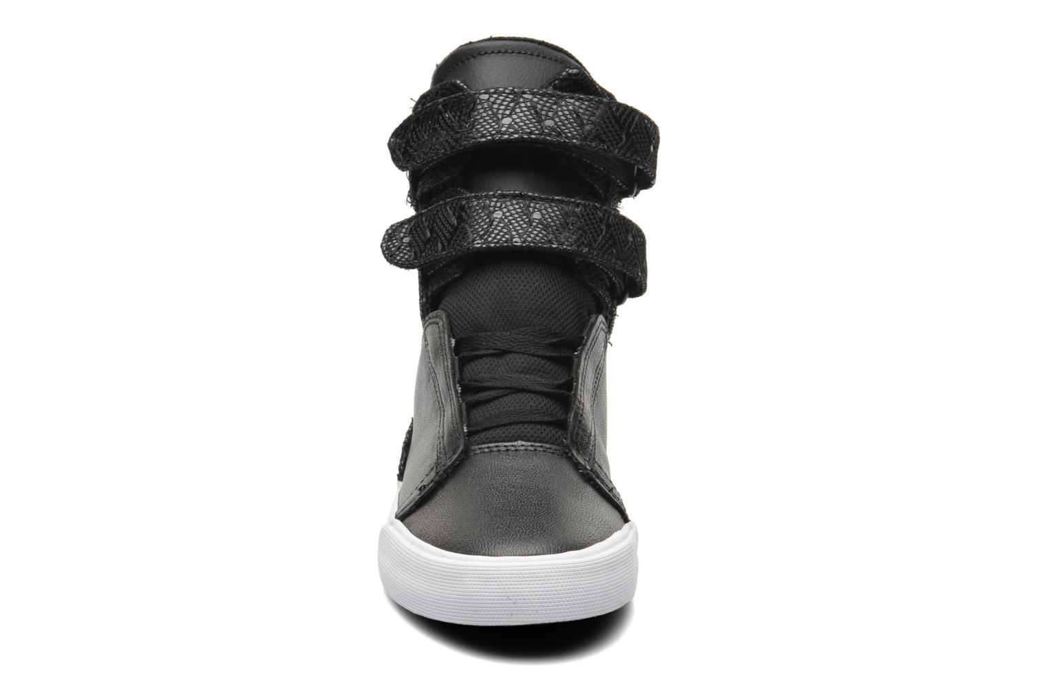 Baskets Supra Society II w Noir vue portées chaussures
