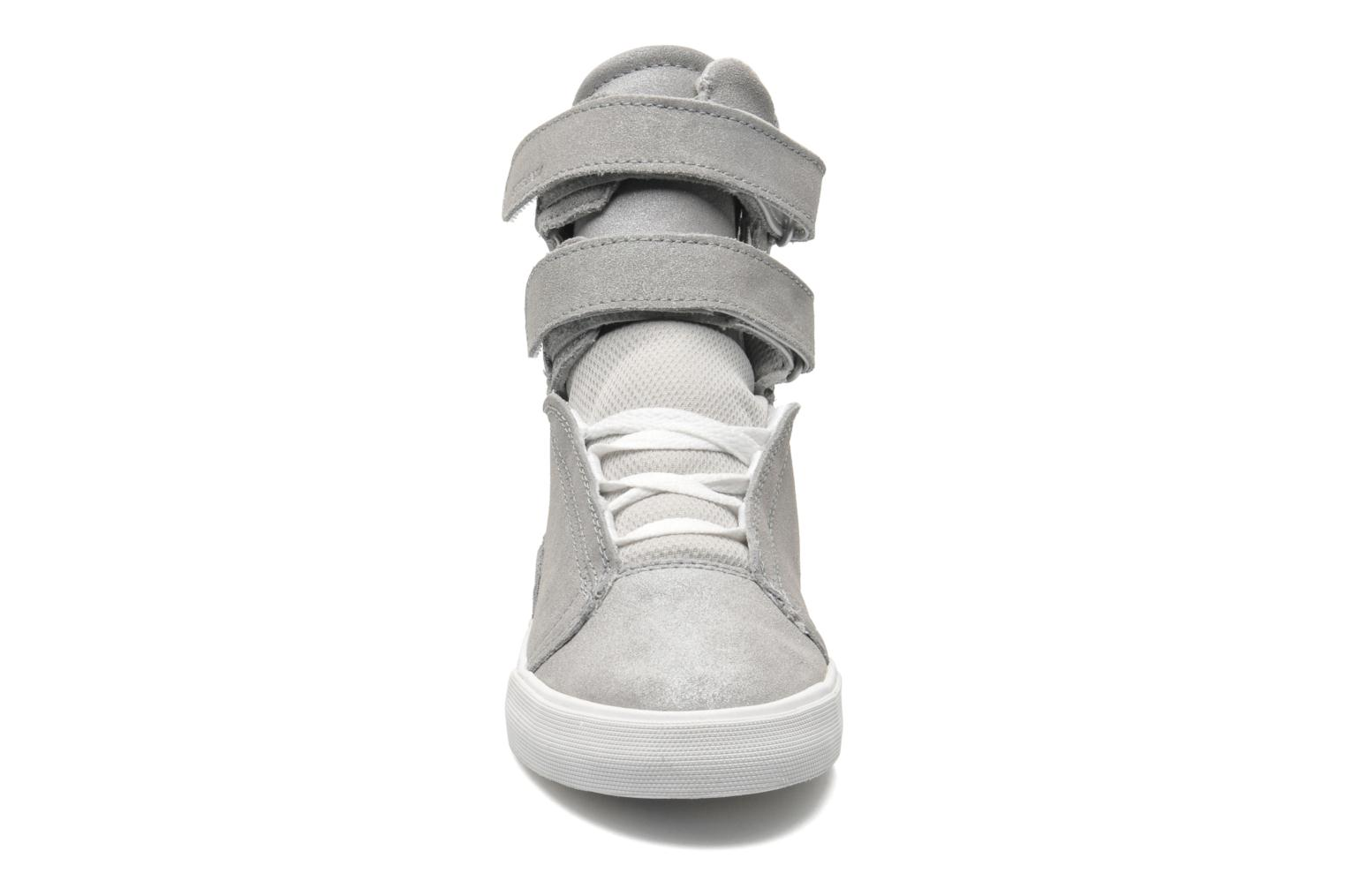 Baskets Supra Society II w Gris vue portées chaussures