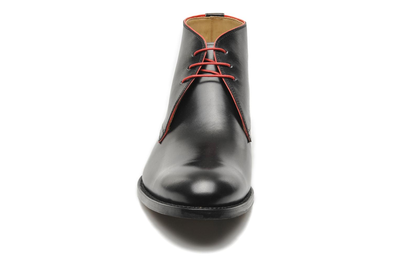 Zapatos con cordones Marvin&Co Luxe Welov Negro vista del modelo