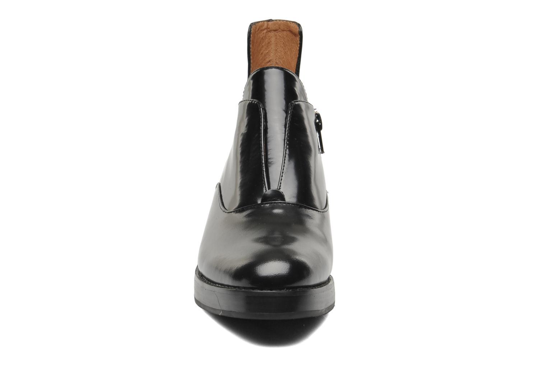 Bottines et boots Jeffrey Campbell Westerly Noir vue portées chaussures