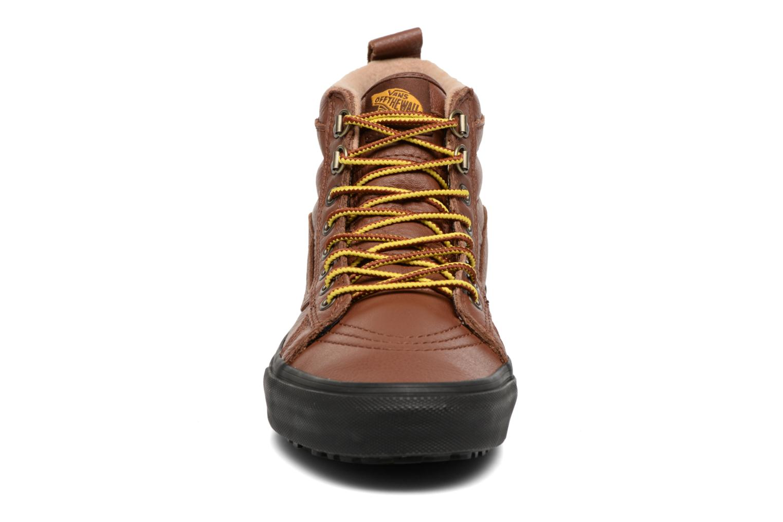 Baskets Vans SK8-Hi MTE Marron vue portées chaussures