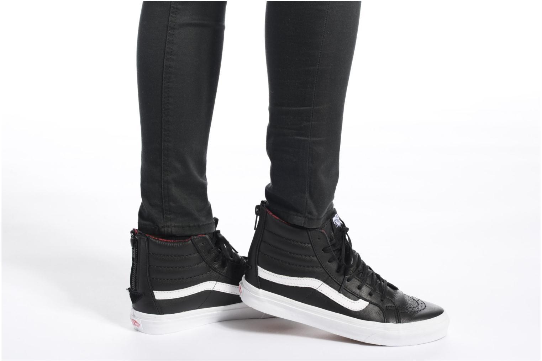 Sneaker Vans SK8-Hi Slim Zip gold/bronze ansicht von unten / tasche getragen
