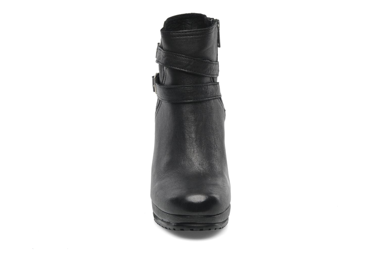 Bottines et boots Koah Bonnie Noir vue portées chaussures