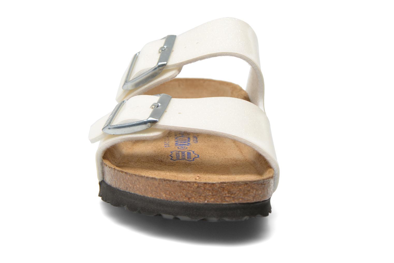 Mules et sabots Birkenstock Arizona Flor W Blanc vue portées chaussures