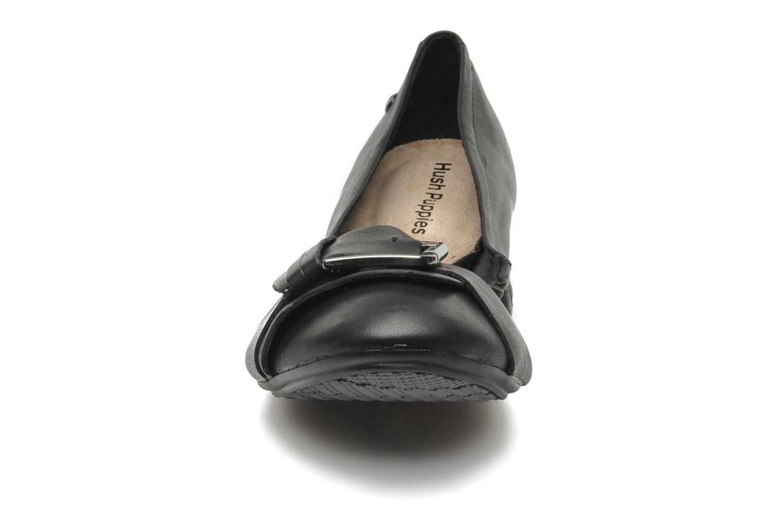 Ballerines Hush Puppies Finnley Chaste Noir vue portées chaussures