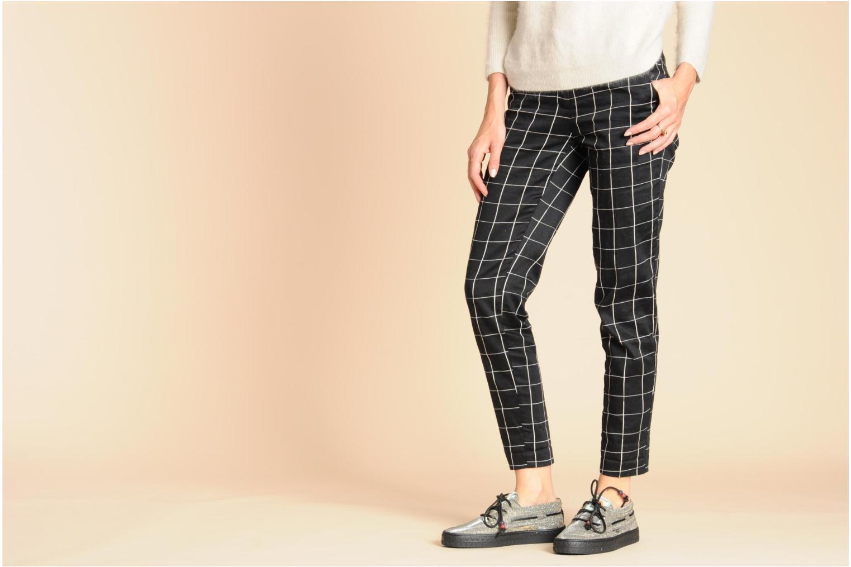 Chaussures à lacets Dolfie Dylan Argent vue bas / vue portée sac