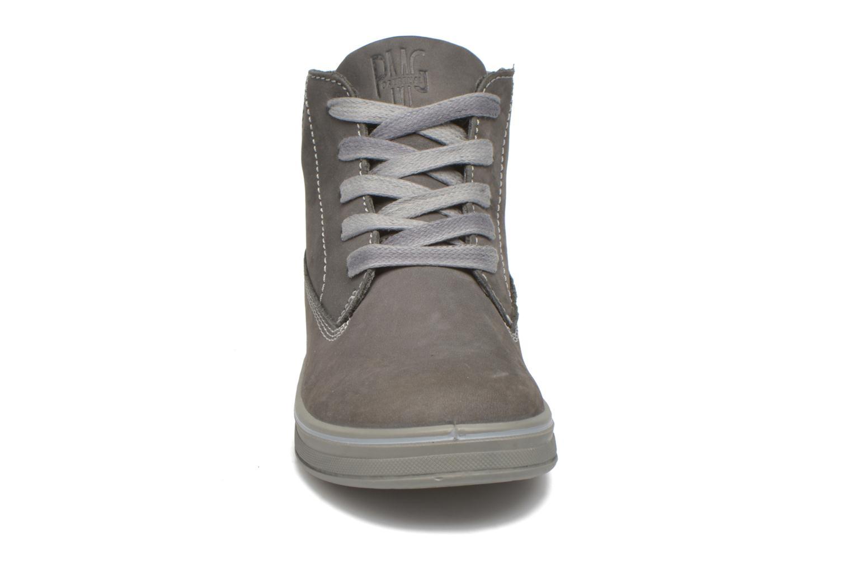 Sneaker Primigi ROLAND grau schuhe getragen