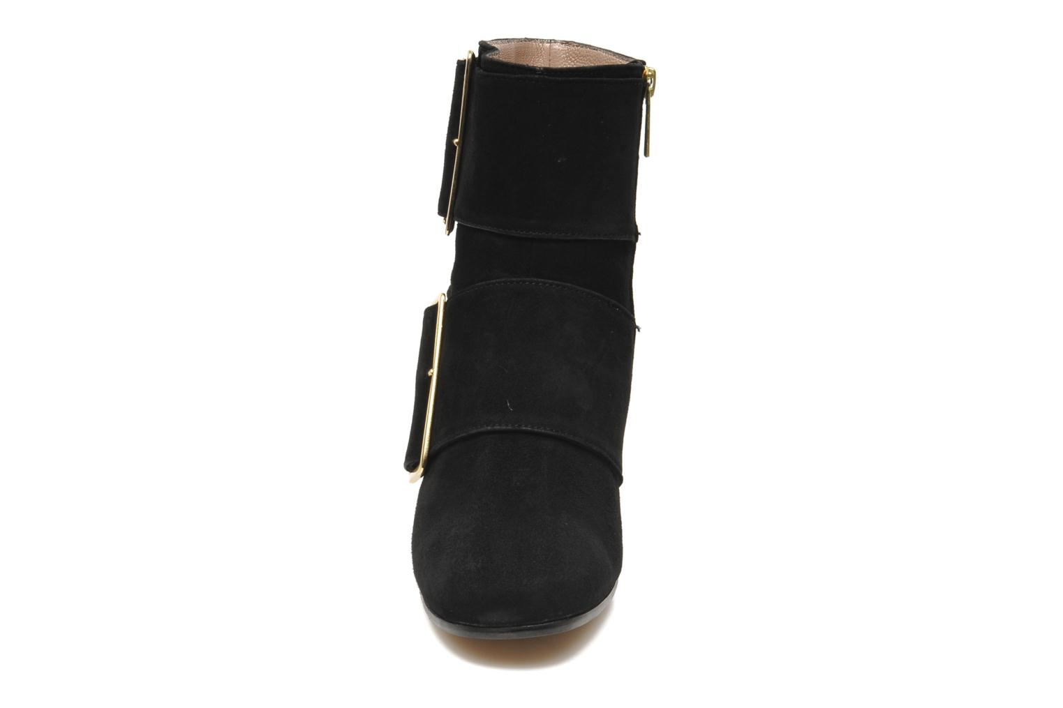 Ankle boots Avril Gau Calor Black model view