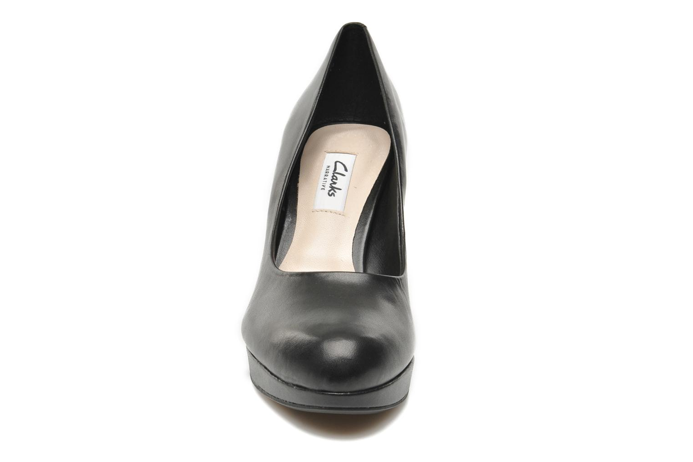 High heels Clarks Crisp Kendra Black model view