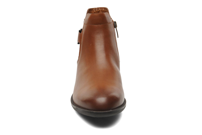 Bottines et boots Clarks Mint Jam GTX Marron vue portées chaussures