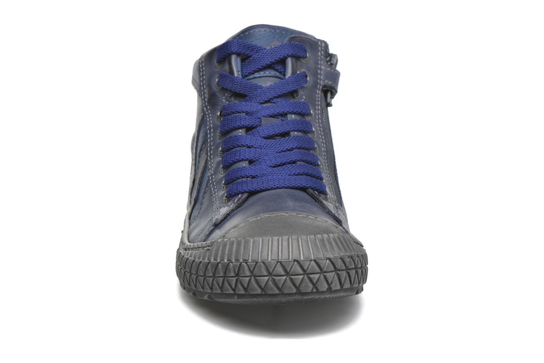 Sneakers Stones and Bones Niels Azzurro modello indossato