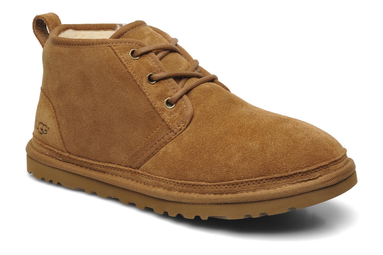 Chaussures à lacets UGG Neumel Marron vue détail/paire