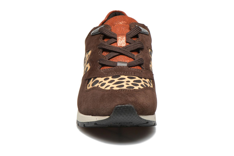 Sneakers Geox D SHAHIRA A D44N1A Bruin model