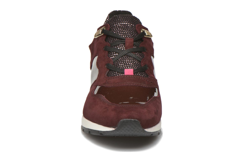 Baskets Geox D SHAHIRA A D44N1A Bordeaux vue portées chaussures