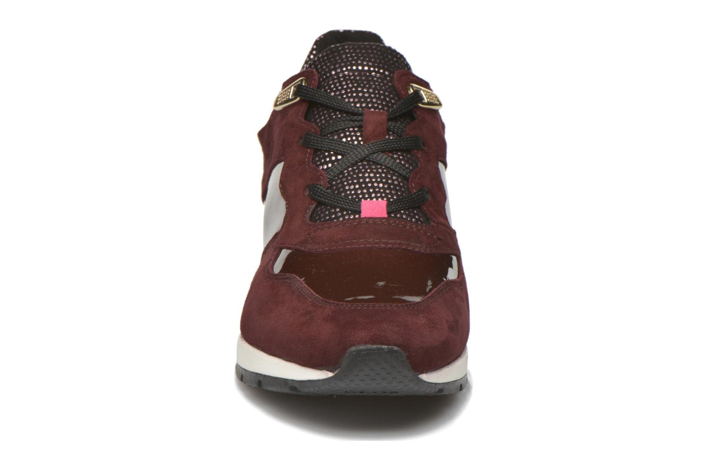 Sneakers Geox D SHAHIRA A D44N1A Vinröd bild av skorna på