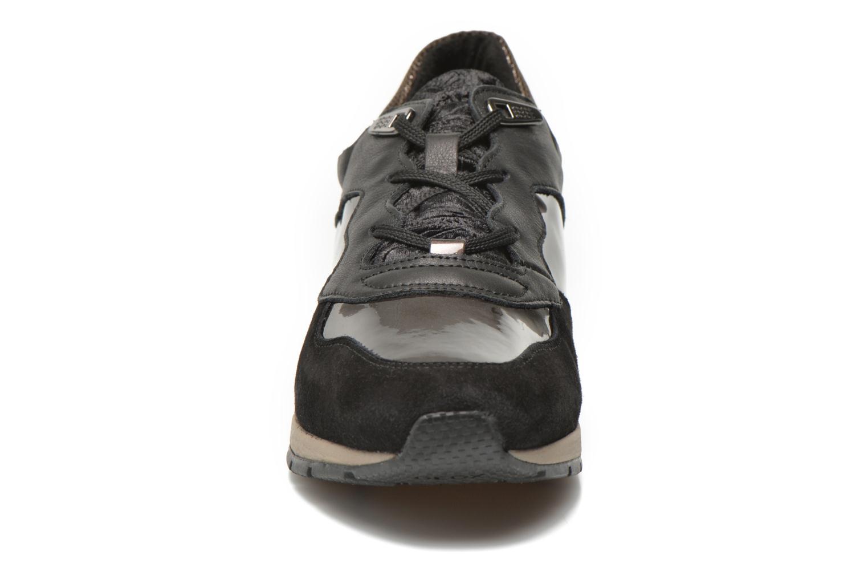 Baskets Geox D SHAHIRA A D44N1A Noir vue portées chaussures