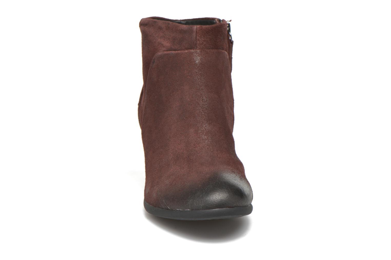 Bottines et boots Geox D LUCINDA C D4470C Bordeaux vue portées chaussures