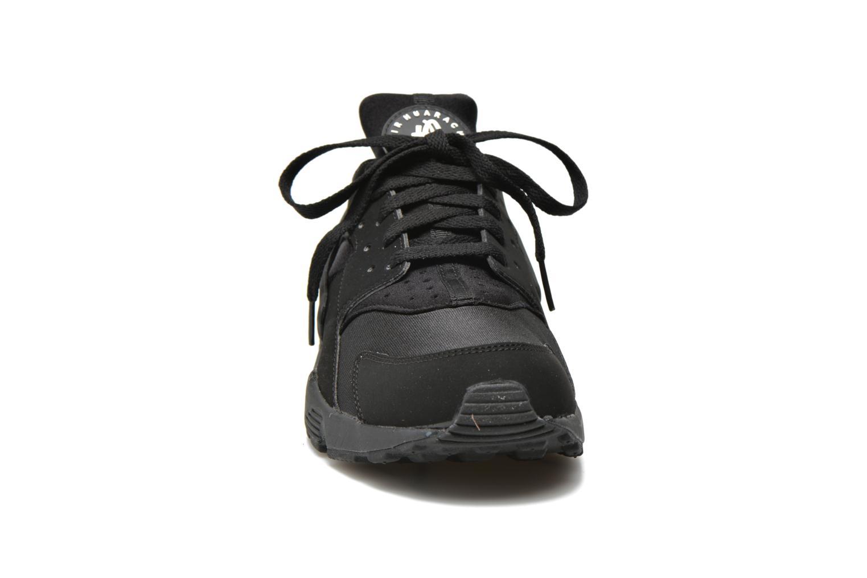 Baskets Nike Nike Air Huarache Noir vue portées chaussures