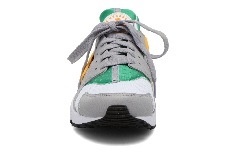 Deportivas Nike Nike Air Huarache Blanco vista del modelo