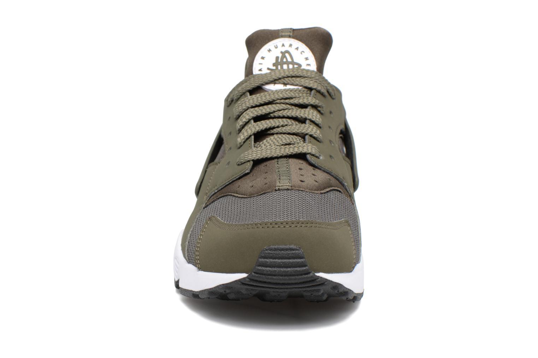 Baskets Nike Nike Air Huarache Vert vue portées chaussures