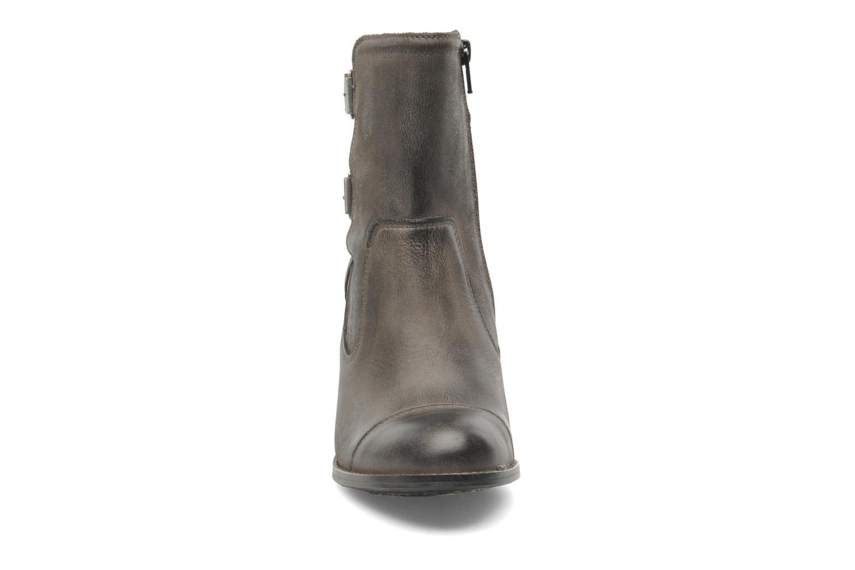Bottines et boots Kickers Medix Gris vue portées chaussures