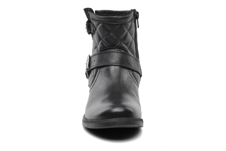 Bottines et boots Mustang shoes Atilda Noir vue portées chaussures