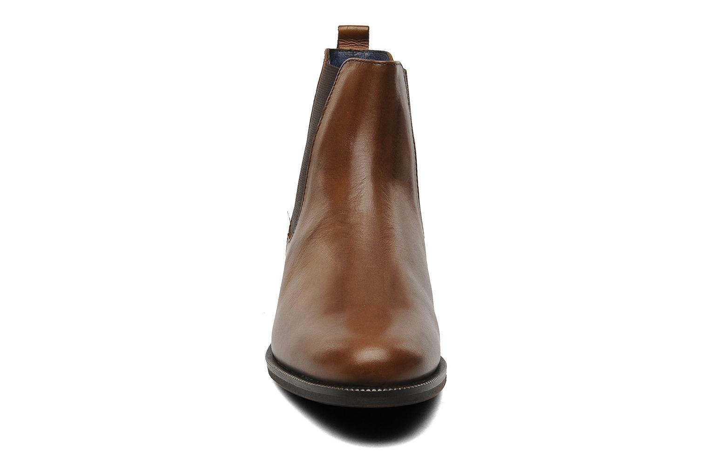 Bottines et boots PintoDiBlu Broche Marron vue portées chaussures