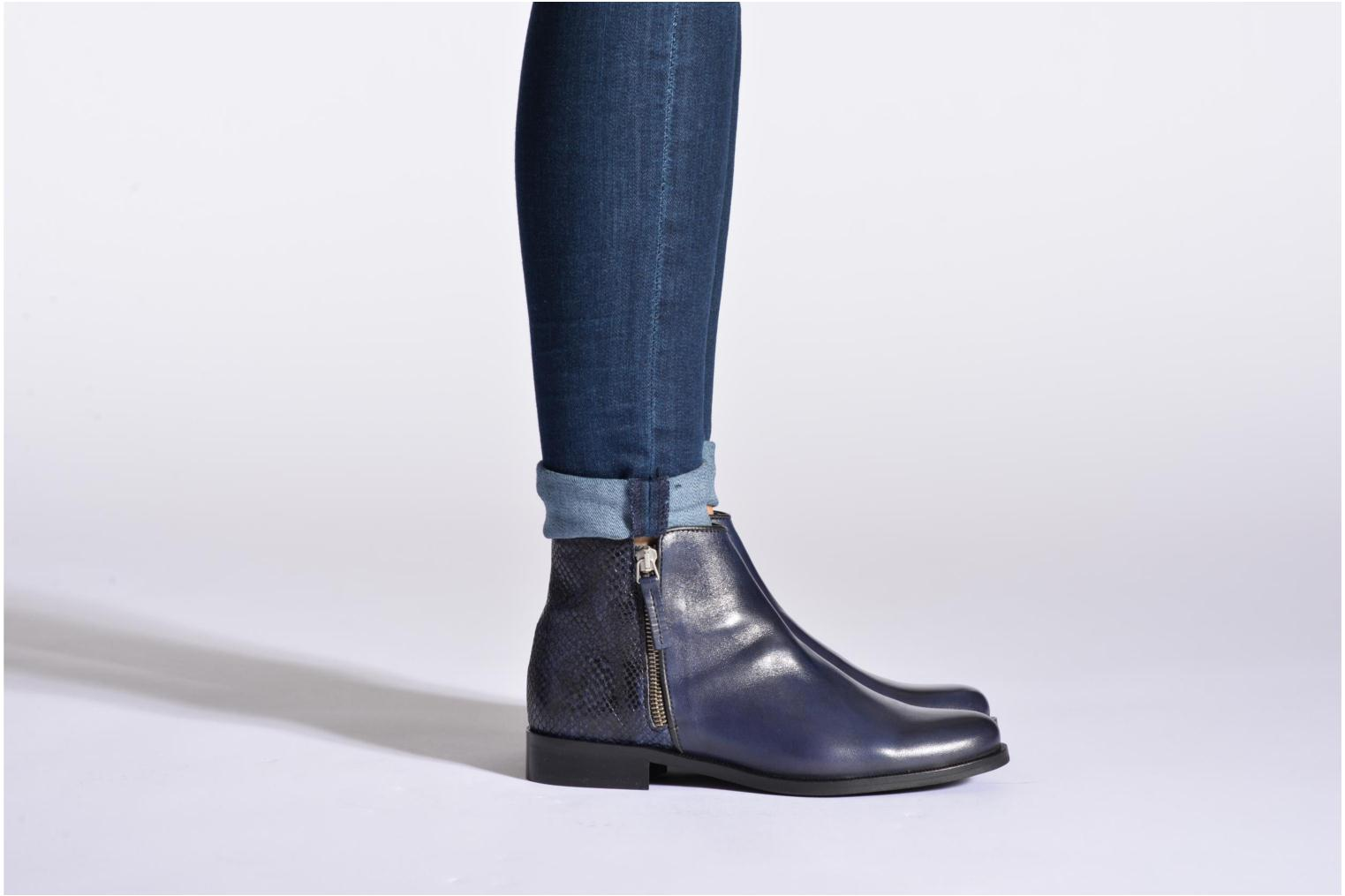 Ankle boots PintoDiBlu Marmara Black view from underneath / model view