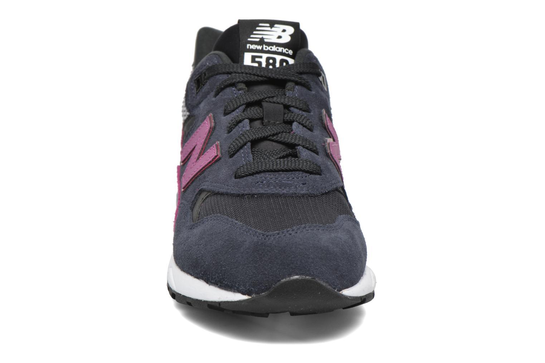 Sneaker New Balance WRT580 schwarz schuhe getragen