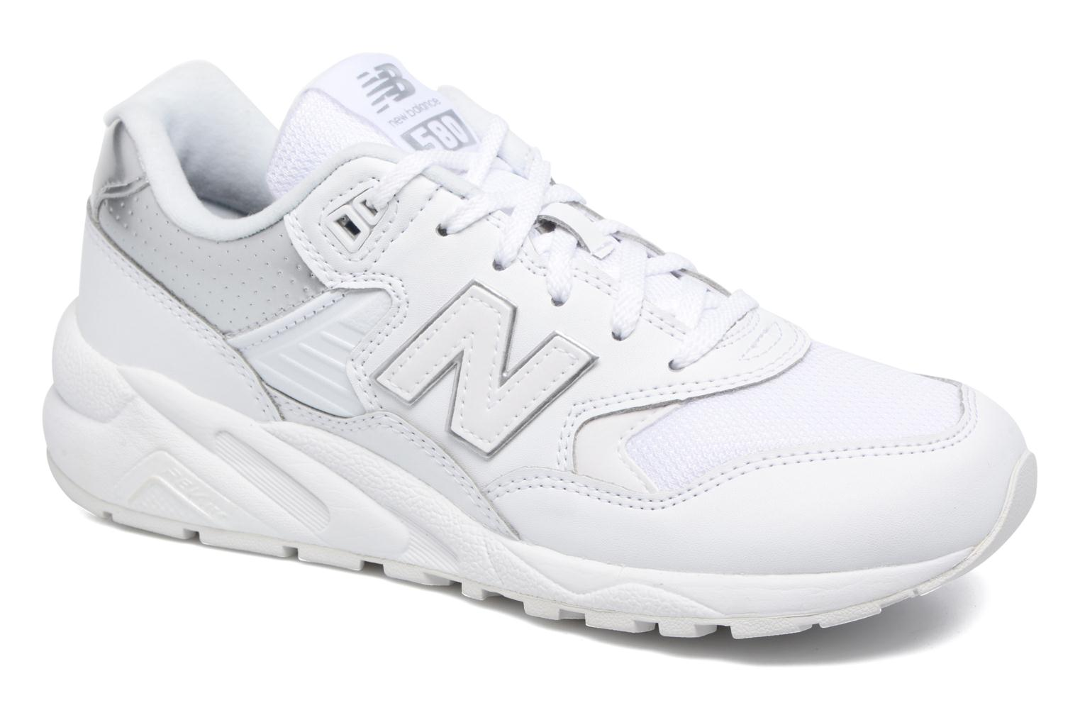 Baskets New Balance WRT580 Blanc vue détail/paire