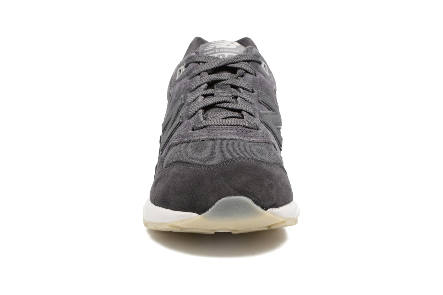 Trainers New Balance WRT580 Grey model view