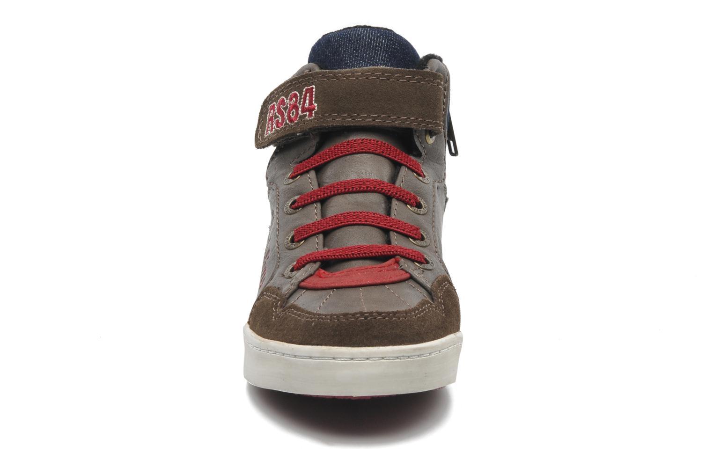 Sneaker Redskins Zigzagkid braun schuhe getragen