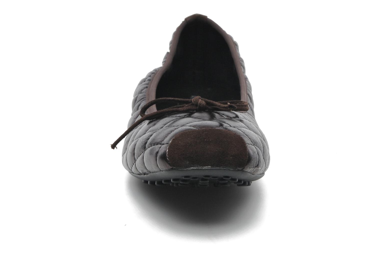 Ballerines Elizabeth Stuart Lacq 329 Noir vue portées chaussures